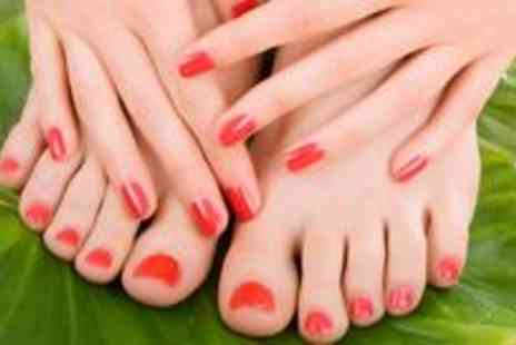 The Glam Lounge by Flawless - A luxury Shellac manicure or pedicure - Save 74%