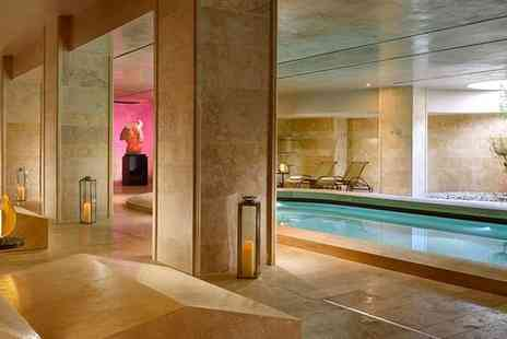 A Roma Lifestyle Hotel - Four Star Modern Spa Retreat in the Eternal City for two - Save 68%
