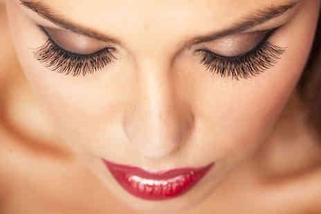 LR Beauty - Full set of semi permanent eyelash extensions - Save 68%