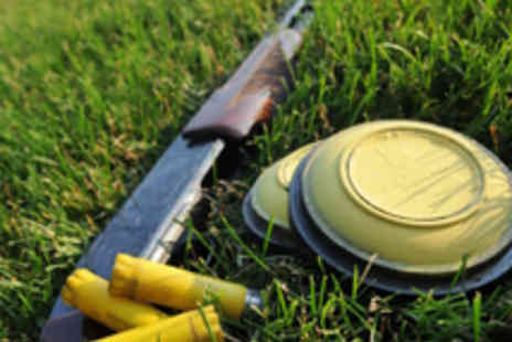 Central Scotland Shooting School - Clay Pigeon Shoot with 30 Clays - Save 60%