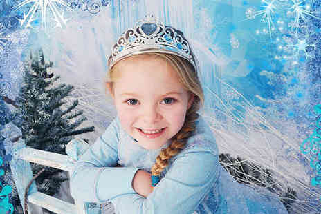 Phase Photography - Frozen 2 inspired kids photoshoot includes costumes, two 7 Inch x 5 Inch prints and refreshements - Save 94%