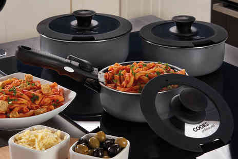 CJ Offers - Two piece set of pans with removable handles - Save 50%
