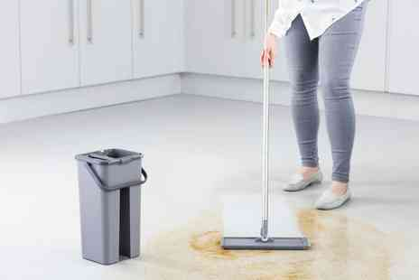 CJ Offers - Easy clean flat mop choose from two colours - Save 58%