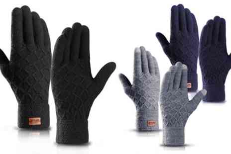 Groupon Goods Global GmbH - Unisex Diamond Thermal Touchscreen Gloves - Save 77%