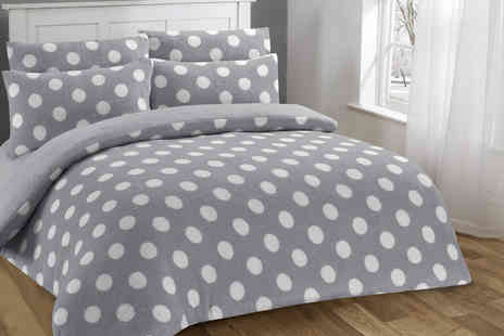 E Home Store - Dotty soft Sherpa fleece duvet cover set - Save 0%