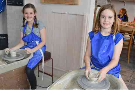 Honeybourne Pottery Studio - Childrens Throw Your Own Pot and Decorate - Save 0%