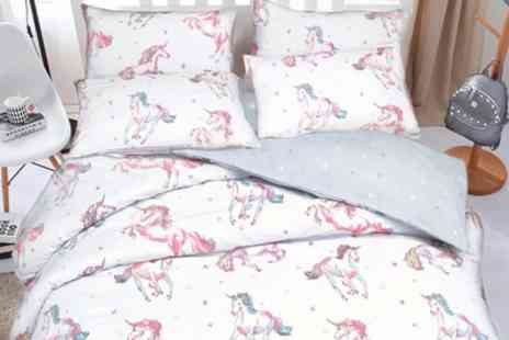 Groupon Goods Global GmbH - Pieridae Unicorn Reversible Duvet Set - Save 0%