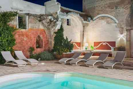 La Macchiola Agriresort - Charming 18th Century Farmhouse Amid Flowered Courtyards for two - Save 57%