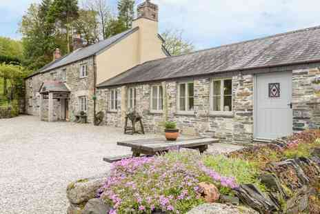 Coombe Farm Cottages - Three nights Cornwall cottage stay - Save 34%