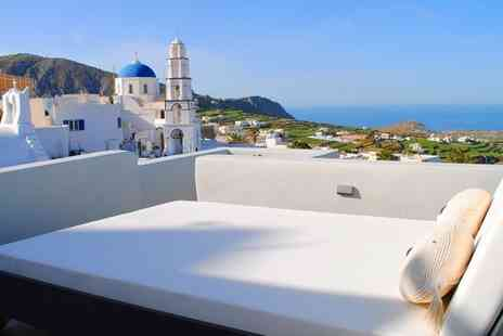 Santorini Dreams Villas - Comfortable Villas with Traditional Decor and Stunning Island Views - Save 66%