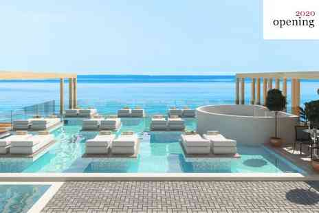 Enorme Santanna Beach - Four Star Brand New Ultra Modern Retreat with Indulgent Infinity Pool for two - Save 0%