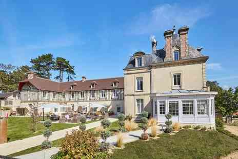 Les Villas d Arromanches - Charming Historic Hotel in Tranquil Seaside Town for two - Save 47%