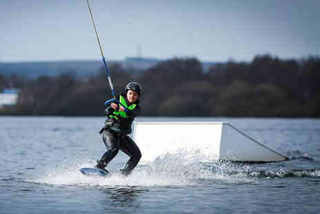 Pier 52 - Beginners cable wakeboarding lesson - Save 53%