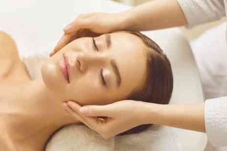 Sero Aesthetics - Serenity or Pregnancy Facial with Dermaplaning Session - Save 55%