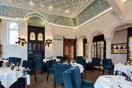 Oddfellows On The Park - Five course tasting menu for two people with a glass of Prosecco each - Save 35%