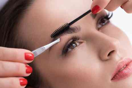 Believe In Beauty - Eyebrow Wax and Tint - Save 47%