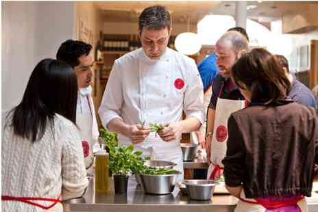 Latelier des Chefs - Two hour Cooking Class with Champagne - Save 0%
