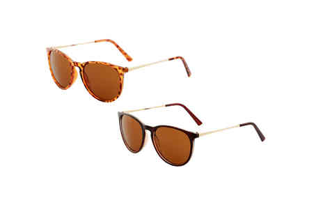 Yello Goods - Pair of unisex retro round sunglasses choose from four colours - Save 0%