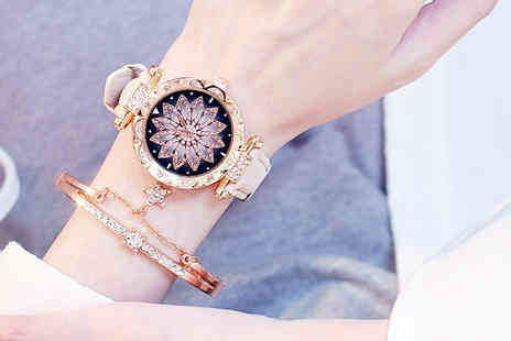 Flashing Pineapple - Ladies starry sky leather watch - Save 0%