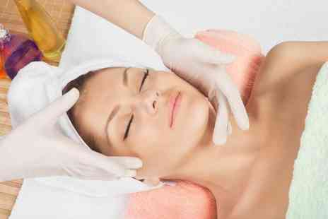 london ladies hair and beauty clinic - Choice of one hour massage with chocolates - Save 74%