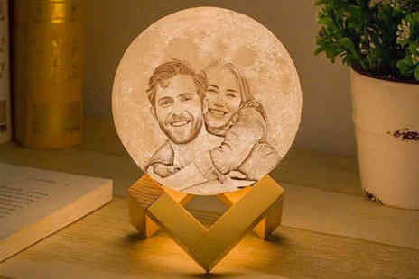 Magic Trend - Engraved moon lamp - Save 64%