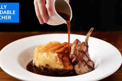 The Greene Oak - Meal for 2 with bubbly at Windsor pub - Save 49%
