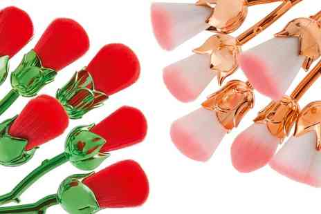 CJ Offers - Set of rose shaped makeup brushes - Save 75%