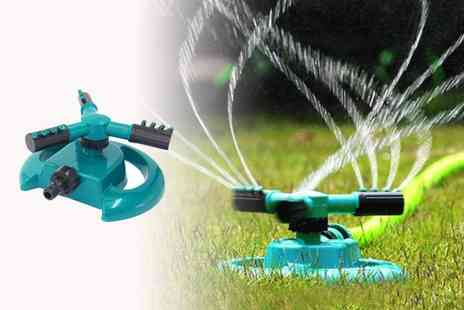 YelloGoods - Garden sprinkler - Save 50%