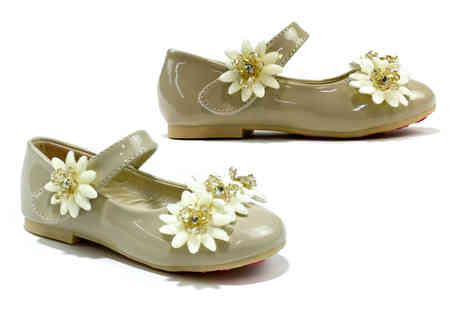 Shoe Fest - Pair of girls flower shoes - Save 0%