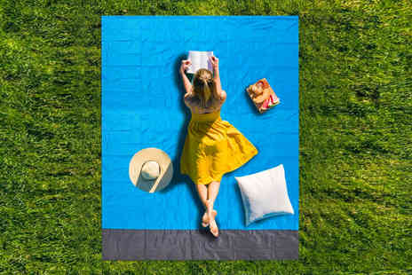Wish Whoosh Offers - 140x200cm waterproof picnic blanket - Save 70%