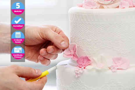 EventTrix - Accredited cake decorating and design course - Save 90%