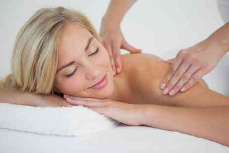 Q Wellness - 30 minute aromatherapy back, neck and shoulder massage - Save 54%