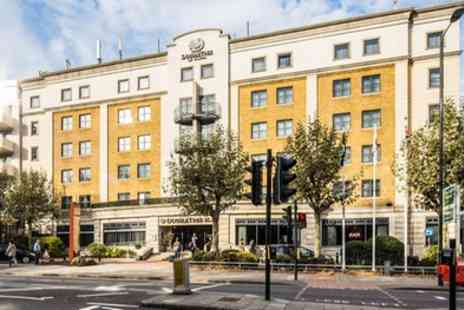 Doubletree by Hilton London Angel Kings Cross - Queen Room for Two - Save 21%