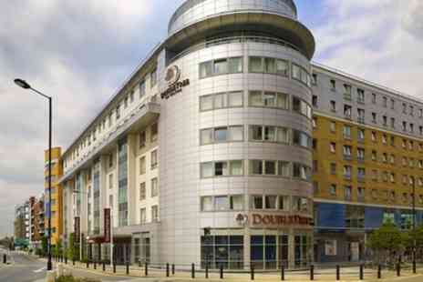 Doubletree by Hilton London Chelsea - Queen Guest Room for Two - Save 0%