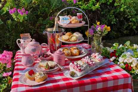Piglets Pantry - Classic afternoon tea box for two - Save 0%