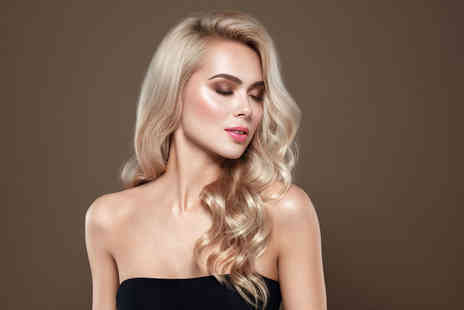 RK Parlour Boutique & Beauty Clinic - Wash, cut and blow dry - Save 50%