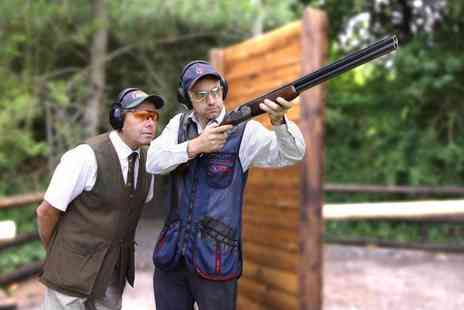 Guns and Clays - 30 minute clay pigeon shooting experience for one person - Save 35%