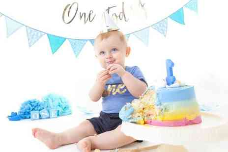 Zen Shots - Babys first year photoshoot including three studio visits throughout the year - Save 80%