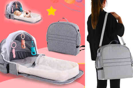 Topgoodchain - Portable multifunctional diaper bag and baby bed - Save 66%