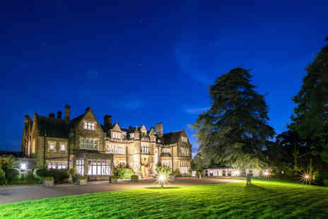 Hartsfield Manor - A Betchworth, Surrey stay with breakfast, one bottle of wine - Save 47%