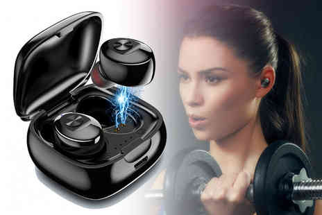 Backtogoo - Pair of wireless earphones with a charging case - Save 80%
