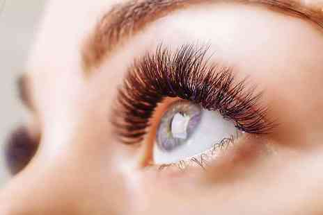 Stunning Nails & Beauty - Semi permanent eyelash extensions - Save 0%