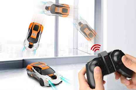 PinkPree - Anti gravity LED remote control car - Save 57%