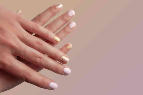 Imanis Beauty Bar - Shellac manicure - Save 0%