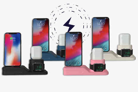 Flashing Pineapple - IPhone airpods and apple watch charging station - Save 67%