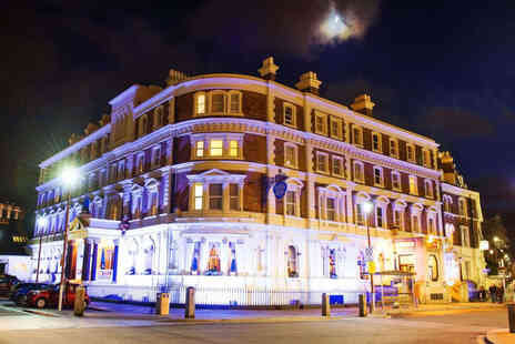 The Queen at Chester Hotel - Chester stay for two in an Executive Room with breakfast - Save 47%
