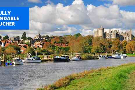 Norfolk Arms Arundel - West Sussex coaching inn stay with bubbly - Save 36%