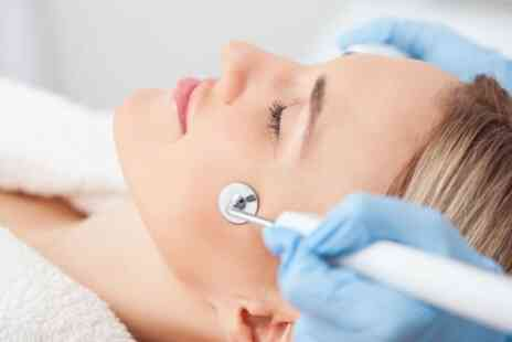 Imagiine Beauty - 30 Minute Sessions of Microdermabrasion - Save 17%