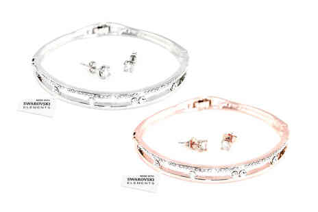 Victorias Candy - Two piece Anabelle crystal bangle and solitaire earring set - Save 78%