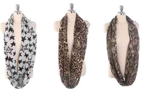 Groupon Goods Global GmbH - Womens Scarf with Pocket for Wallet or Phone - Save 73%